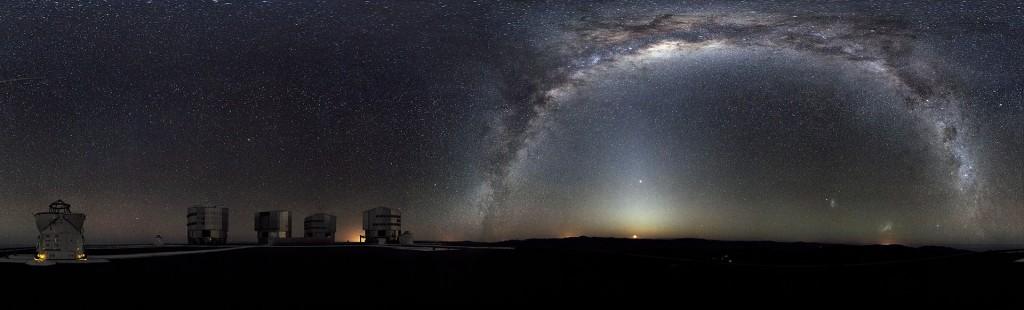 Vida extraterrestre - Vista de La Vía Láctea desde el Paranal, Chile, telescopio ESO